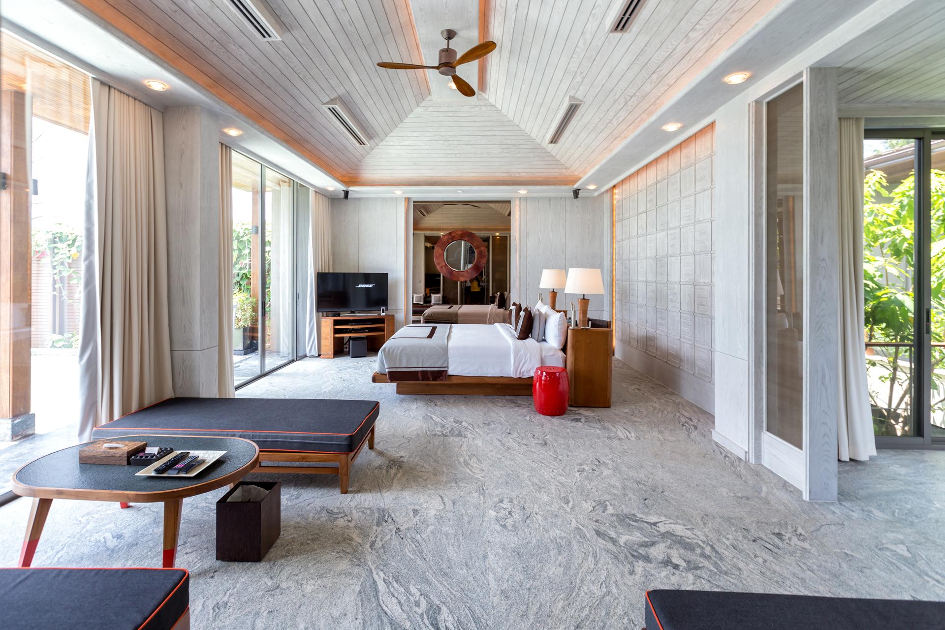 luxury pool villa phuket
