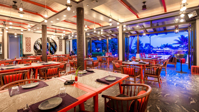 beach restaurant phuket