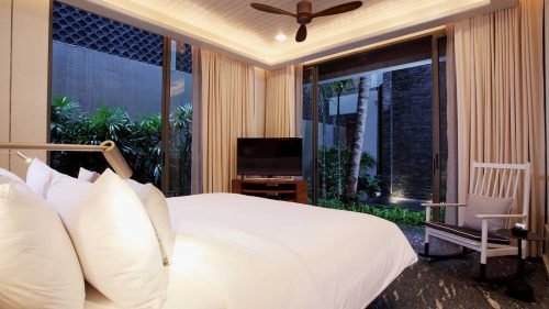 luxury pool villa phuket