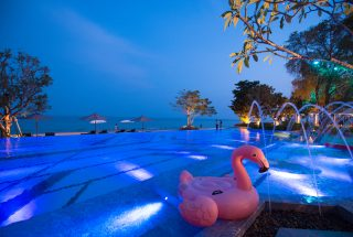 7-Entertainment-Pool-Beach-Bar- Baba-Beach-Club-Hua-Hin-Cha-Am-Best-Luxury-Beach-resort-Hotel